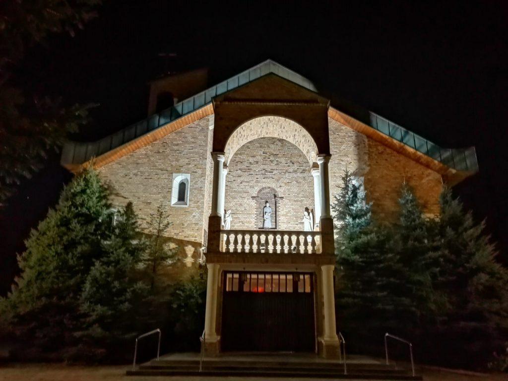 02)Kościół z zew. (2)