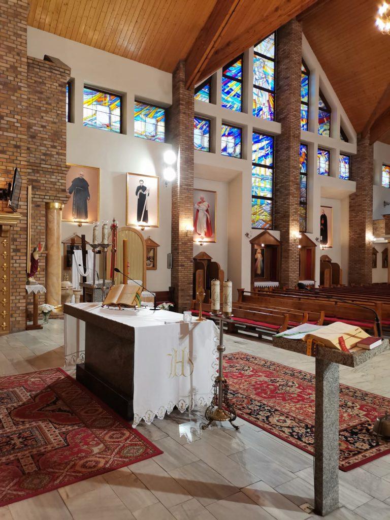08)Kościół wew. (4)