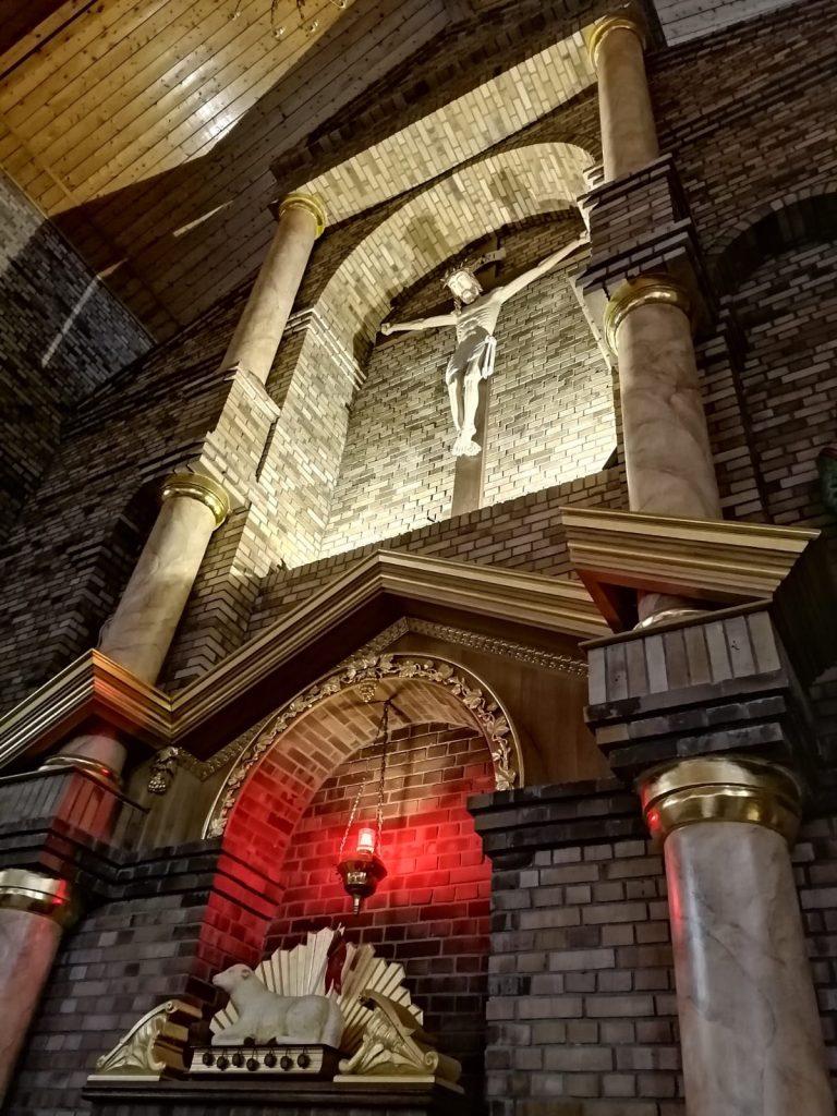 11)Kościół wew. (1)