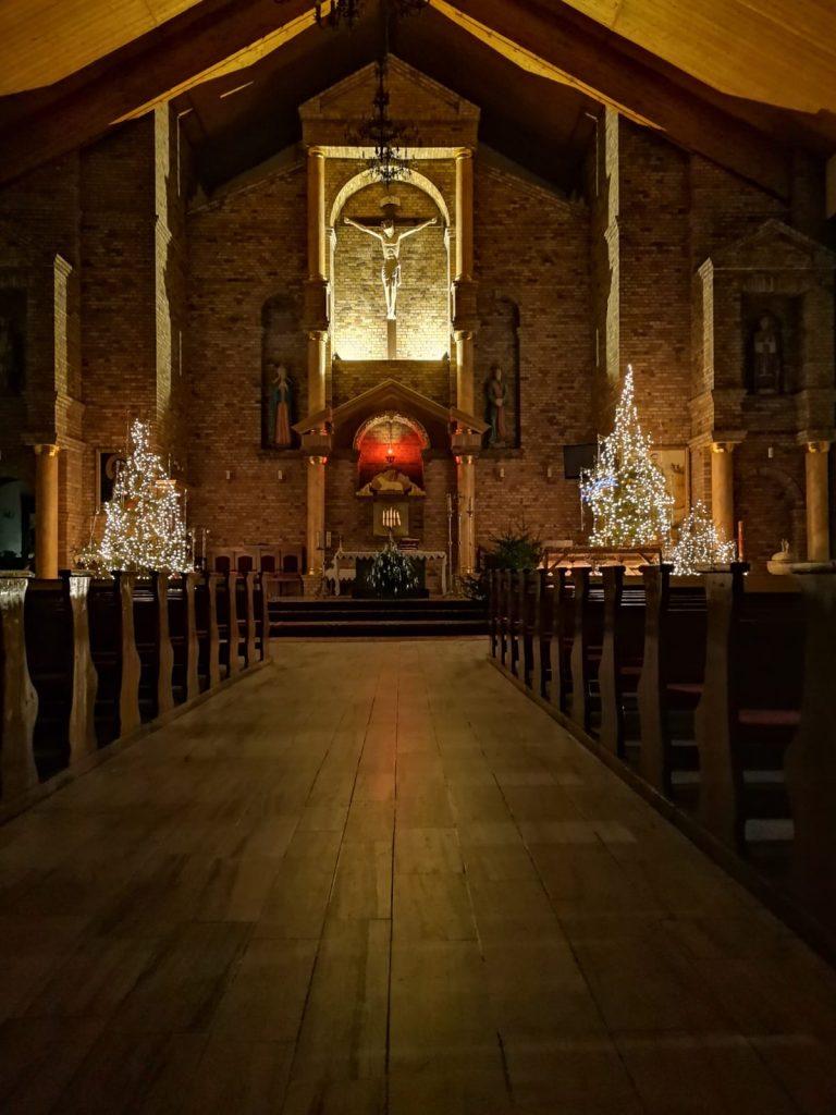 13)Kościół wew. (10)