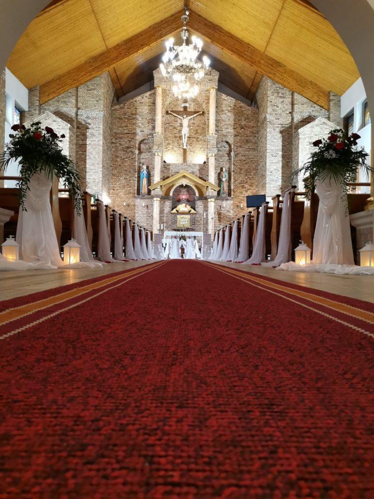 25)Dekoracja ślubna w kościele (13)