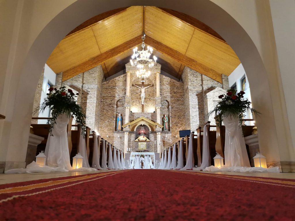 25)Dekoracja ślubna w kościele (9)