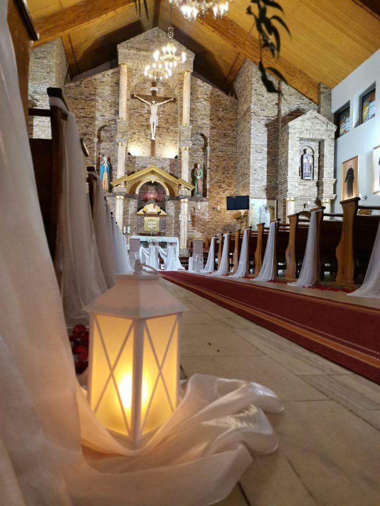 28)Dekoracja ślubna w kościele (5)