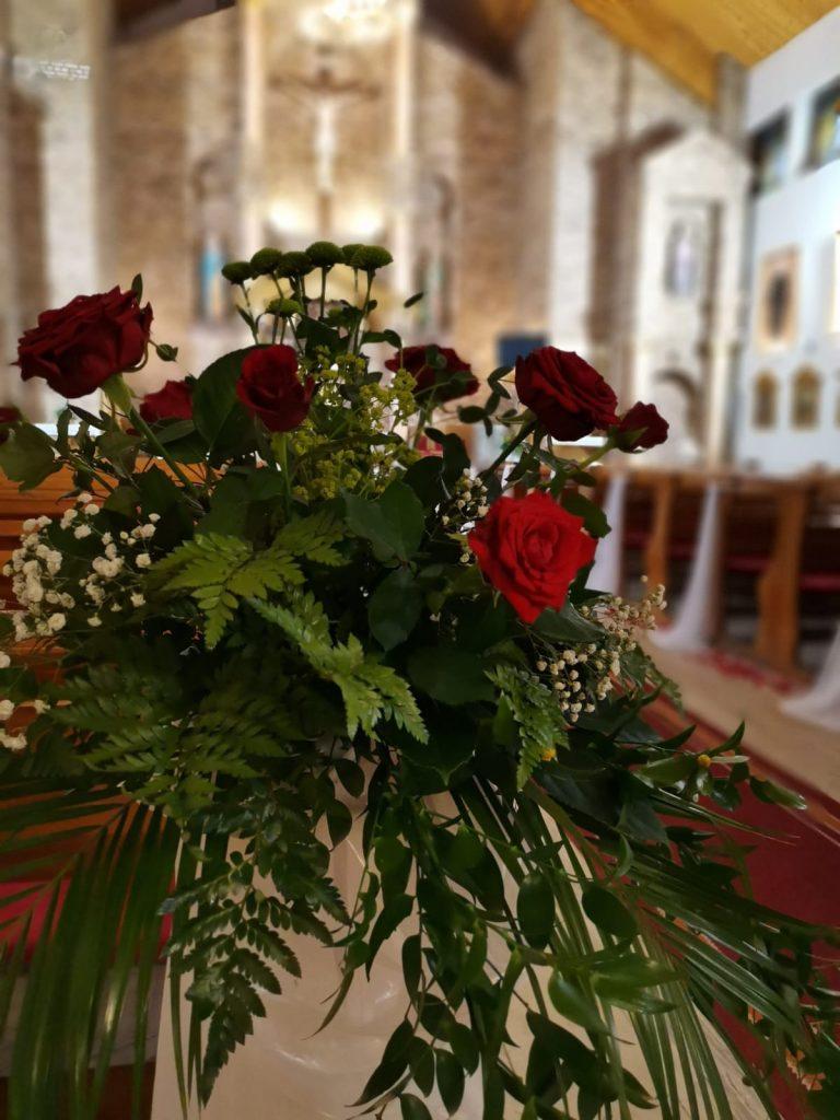 30)Dekoracja ślubna w kościele (12)