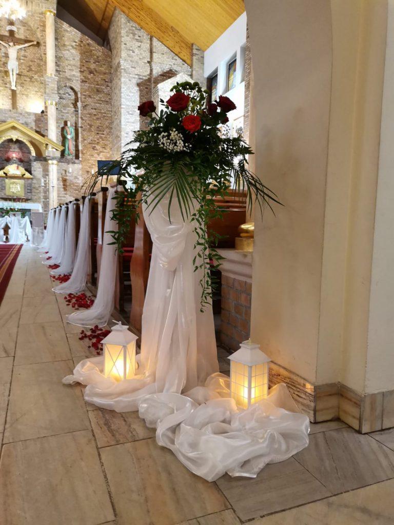 31)Dekoracja ślubna w kościele (10)